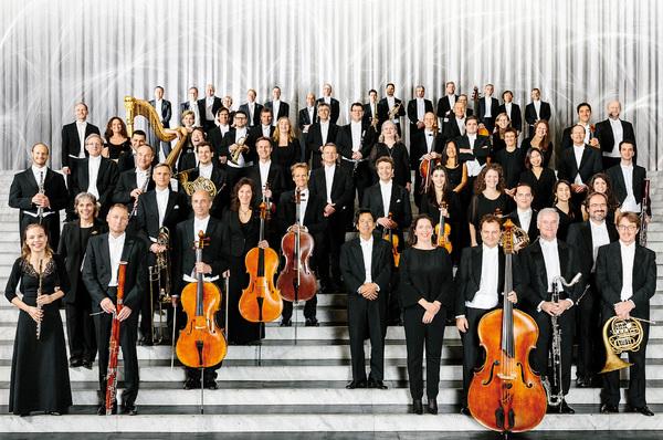 Rhapsodie in Schwarz-Weiß Konzert für Tasteninstrumente und Orchester